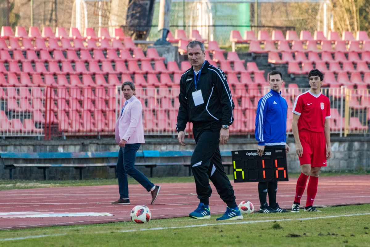 Áčko doma s Interom, mládež na ihriskách súperov