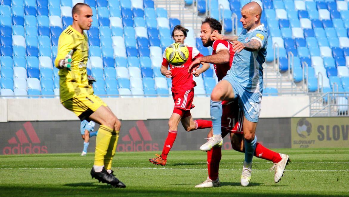 Zo zápasu na Slovane (R. Bielik)